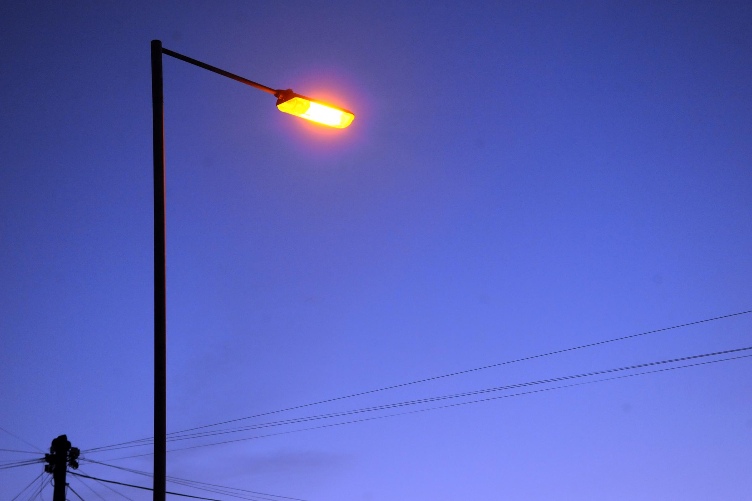 Concerns raised over streetlight switch-off t