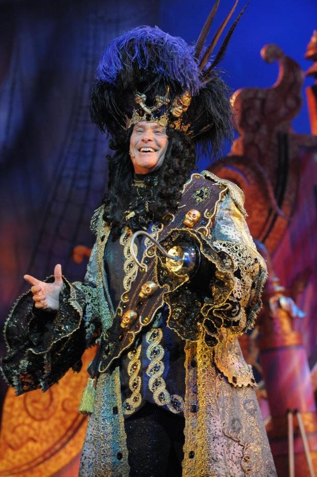 Brentwood Weekly News: Hoff the hook! David Hasselhoff to star in Cliffs Pavilion panto