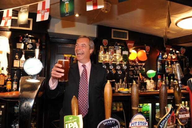 Brentwood Weekly News: Nigel Farage at the Hoy and Helmet pub in Benfleet